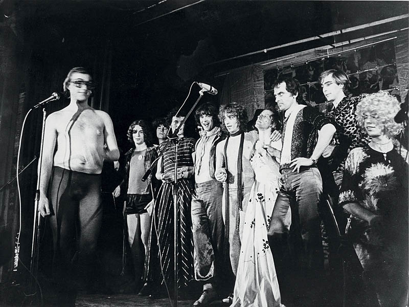 The Flikkertheatergroep on stage in Hamburg, 1978